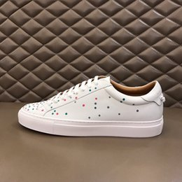 Wholesale 2019 European and American style stars with the same classic retro design men s casual leather strap sneakers
