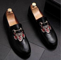 Classique Confortable Hommes Occasionnels Chaussures Mocassins Homme Chaussures Qualité Cuir Flats Flats Vente Chaude Les Mocassins Sont Petit Cuir en Solde