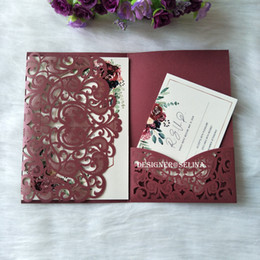 Wholesale 2019 Sweet Heart Burgundy Trifold Pocket Wedding Invitations with RSVP Card Shimmy Laser Cut Invitation Cards for Bridal Shower Quinceanera