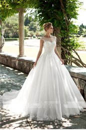Open Skirt Ball Dress UK - Luxury Princess Ball Gown Wedding Dresses New 2019 Sheer Scoop Neck Crystals Beaded Lace Appliqued Wedding Dress Sexy Open Back Bridal Gowns