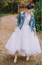 winter wedding dresses low back UK - High Low Tulle Wedding Dresses 2020 With Straps V Neck Short Front Long Back Informal Rustic Bridal Gowns Country Bride Dress
