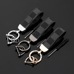 horseshoe key chain NZ - High Quality Square Pattern Leather Keychain Men Leather Horseshoe Buckle Key Chain Car Key Ring Pendant Keyholder Gift