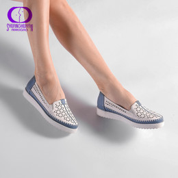 comfortable soft women shoes Australia - High Quality Flats Casual Slip On Loafers Women Shoes Leather Comfortable Soft Bottom Flat Shoes Vintage Style Women Footwear Y190704
