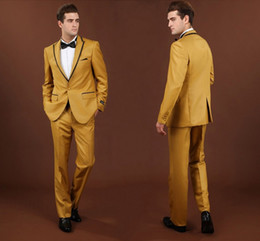 Smoking Center Smoking dello sposo Gold Best Suit uomo Peak Lapel Wedding Groomsman / Abiti uomo Bridegroom Custom Made (Jacket + Pants + Bow Tie)