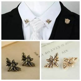 $enCountryForm.capitalKeyWord Australia - Wholesale- 2PCS lot Vintage Personalized Honey Collar Pin Fashion Retro animal Bee Lapel Shirt Neck Pins brooch unisex Jewelry accessories