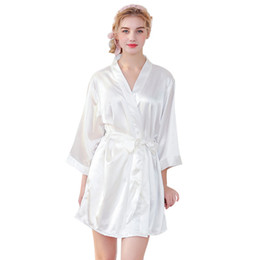Chinese  Ms. Silk-like's Nightgowns & Sleepshirts Married Make-up Robe sexy femme Embroidered Cardigan Robe kaftan bathrobe manufacturers