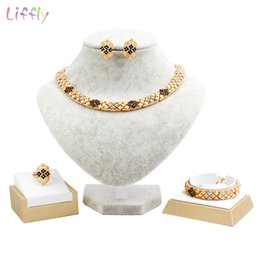 dubai gold pendant sets Australia - Liffly Dubai Jewelry Sets Gold Bridal Gift Nigerian Wedding African Beads Jewelry Set Women Fashion Necklace Pendant