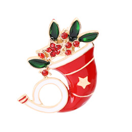Best Family Christmas Gifts Australia - Merry Christmas Theme Brooch Pin Exquisite Beautiful Christmas Horn Brooch Best Christmas Gift Adornment For family And Friends And Lover