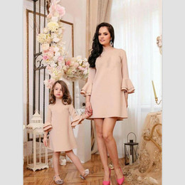 $enCountryForm.capitalKeyWord Australia - Mother Daughter Dresses Spring Family Look Matching Mommy And Me Clothes Long Sleeve Elegant Mom Girl Clothing Outfits