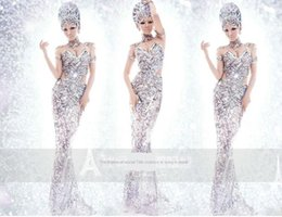 Photo Studio theme wedding dress exhibition slim hip-wrapping wedding sequins Clothing sequins stage performance costume art photo