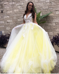 Backless Lace Light Yellow Dress Australia - Bright Yellow White Lace 3D Floral Flower Ball Gown Evening Celebrity Dresses Formal Gowns V neck Lace Backless Tulle Cheap Prom party Dress