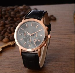 Wrist Watch For Couples Canada - Couple Luxury women men watches Fashion Leather strap Gold Quartz Classic Wrist watch for Mens Ladies best Valentine gift relogios
