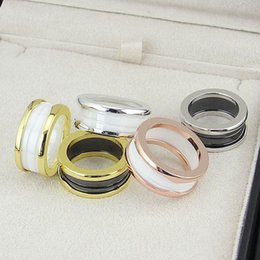$enCountryForm.capitalKeyWord Australia - Hot Brand name 316L Stainless Steel Rings with White and Black Ceramic in rose gold Plated Women and Men Rings Fashion Wedding Jewelry