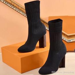 a5792055655774 2019 chaussures sexy pour femmes en automne et en hiver Bottes en bottes  élastiques Designer Bottes courtes chaussettes bottes Grandes pointures 41  42 ...