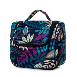 $enCountryForm.capitalKeyWord UK - Hanging Women's Cosmetic Bag Floral Makeup Case for Men Travel Organizer Bags Wash Pouch Portable Hook Beauty Toiletry