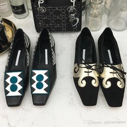 $enCountryForm.capitalKeyWord Australia - High quality 2019 new flat bottom women's shoes exquisite generous casual shoes printing decoration hot sale with original box qr