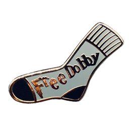 Dobby Emaille Pin süße kleine Socke Brosche Elf Nerd Abzeichen HP Sammlung Geschenk im Angebot