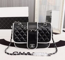 italian ladies handbags 2019 - New Italian high-end brand ladies shoulder bag fashion leather bag leather party travel lady black and white chain handb