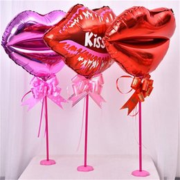 Wholesale The New Lips Balloon Column Table Centerpieces Aluminum Film Table Float Party Wedding Decoration Supplies Kiss Hot Sales mxC1