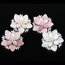 $enCountryForm.capitalKeyWord Australia - JNMM Fashion Jewelry High Quality Natural Delicate Pearl Shell Flower Zircon Brooch Pins Brooches Wedding Accessories
