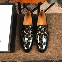 Toptan satış ÜST! Marka Kırmızı Alt Loafer'lar Lüks Parti Düğün Ayakkabı Tasarımcısı SIYAH PATENT DERI Süet Elbise Ayakkabı Için Dairelerde Kayma