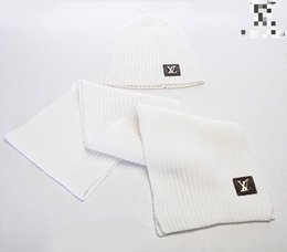 HigH end art online shopping - Hats And Scarves Sets Men And Women Design Hat Scarf Sets Warm European High end Luxury Hat Scarf Fashion Accessories