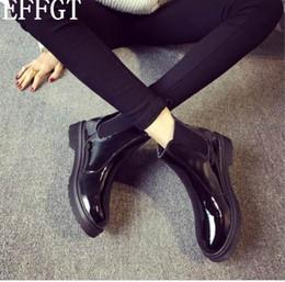 EFFGT Donna Moda Stivali in gomma stile britannico con suola nera Stivali con stivaletti in pelle martellata Martin per stivali Tenere caldo stivali da moto Y27