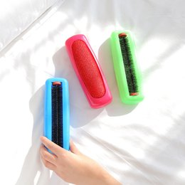 Removing Clothes Australia - Scrub And Other Articles Of Daily Use Remove Dust Brush Environmental Protection Bed Brush Multipurpose Dust Absorption Attract Hair Brush