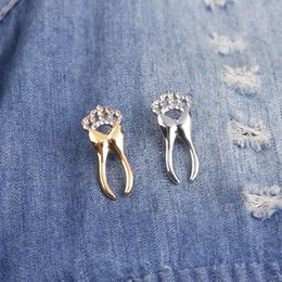 Tooth Crystal Australia - New Crystal Crown Tooth Shape Brooches For Women Men Gifts Pins Wedding Party Dress Decoration Jewelry Free Shipping
