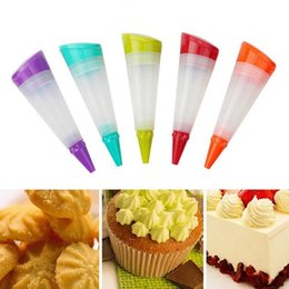 Kitchen Decorators NZ - Silicone Food Writing Pen Cake Decorating Tools Chocolate Biscuits Frosting Pipe Pastry Nozzle Kitchen Accessories W9309