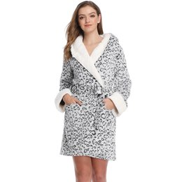 young women clothing UK - Women Teddy Fleece Robe Bridesmaid Bathrobe Home Clothes Kimono Sleepwear Dressing Gowns Bride Bath Robe For Women Young Lady Y200425