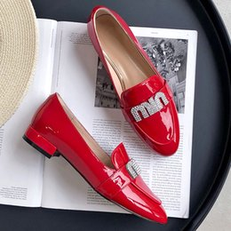 $enCountryForm.capitalKeyWord Australia - Hot Sale-Top Quality Office Dress Flat Shoes Genuine Leather Women Loafers Shoes Fashion Letter Design Casual Shoes Red Black White