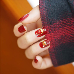 Discount false bride nails 24PCS Chinese Red Diamond Lucky Pig Shape Decor Wearable False Nails Bride Charming Short Round 3D Nail Art Stickers Wit