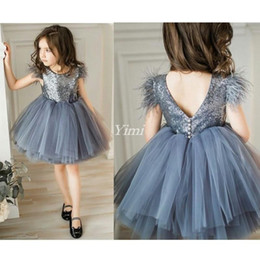 cosplay hunter 2019 - Gray Short Girls Pageant Dresses Jewel Feather Sequins Knee Length Flower Girl Dress Child Birthday Party Gowns Kids Cos