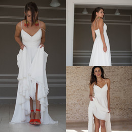5abef6c14 Moda alta baixa vestidos de noiva de praia Sexy cintas de espaguete frente  curto voltar longo assimétrico chiffon barato vestido de noiva boho cruzar  de ...