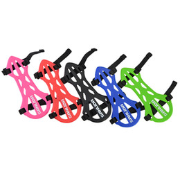 $enCountryForm.capitalKeyWord Australia - Adjustable Archery Arm Guard For Compound Bow Recurve Bow Soft Rubber Hand Protector Many Color For Choose Outdoor Hunting Accessories