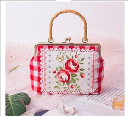 $enCountryForm.capitalKeyWord Australia - Angelatracy 2019 New Arrival Embroidery Rose Red Flower Plaid Bamboo Metal Frame Big Cotton Handle Bag Totes Day Clutches