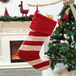 $enCountryForm.capitalKeyWord Australia - New Style European and American Christmas Socks Simple Non-woven Fabric Tilt up Tiptoe Christmas Red and White Sock