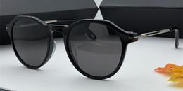 China New popular Vintage cat eye Sunglasses for womens 7091 Fashion charming Glasses Designer elegant style anti-UV400 lens top quality with box cheap elegant box frame suppliers