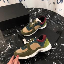 Ingrosso Fashion Luxury Designer Scarpe da donna Piattaforma di pelle Scarpe casual classiche New Spray Paint Dress Tennis Shoe Sneaker gc19031714