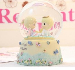 Wholesale ball honeys online – design New Water droplet dolls honey crystal ball music box