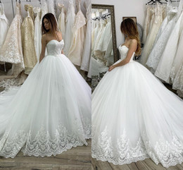 bling modest bridal gowns 2019 - Luxurious Royal Sweetheart Wedding Dresses Dubai Saudi Arabic Modest Sleeveless Bling Sequins Beaded Appliqued Formal Ch