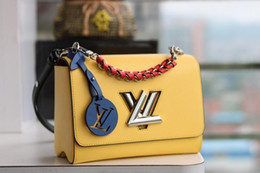 $enCountryForm.capitalKeyWord Australia - Lady Package Women S Shoulder Bag Girl Fashion Accessories 2019 New Products Short Chain Handle Woven Into Leather 23*18*8cm B