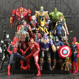Venta al por mayor de 3 Vengadores Héroes capitán Guerra figura de acción de América del Modelo Infinito Iron Man muñecas Decoración Juguetes 15 Estilo / sistema al por mayor