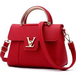 $enCountryForm.capitalKeyWord Canada - High Quality Leather Women Bags Fashion Small Shell Bag With Deer Toy Women Shoulder Bag Winter Casual Crossbody Bag Women Messenger Bags