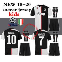 18 19 camisa de futebol em casa 2019 2018 Juventus juve ronaldo kit juve para crianças DYBALA HIGUAIN Terreno terceiro 3ª camiseta de futebol D. Costa Pjanic Chiellini MENINOS venda por atacado