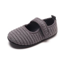 Flats Shoes Baby Girls NZ - Girls peas shoes autumn girl princess breathable shoes suede baby single shoes children flat comfortable baby Footwear G1126