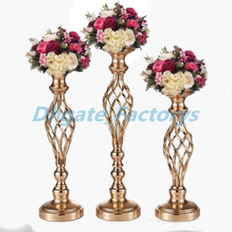 $enCountryForm.capitalKeyWord UK - Creative Hollow Gold Metal Candle Holders Wedding Road Lead Table Flower Rack Home And Hotel Vases Decoration