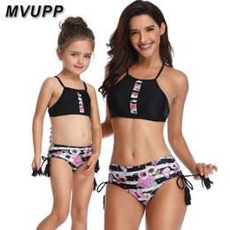 $enCountryForm.capitalKeyWord NZ - Family Swimwear Mother And Daughter Clothes Swimsuit Tassels High Waist Floral Striped Mommy Me Baby Girl Matching Outfits Look Y19051103