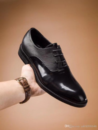 Wedding toothpicks online shopping - Top quality casual men s wedding shoes and leather shoes black toothpick lines Fashionable dress shoes